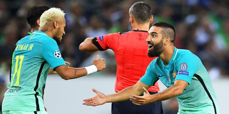 Arda girdi, Barcelona kazandı! Barcelona 2-1 Mönchengladbach