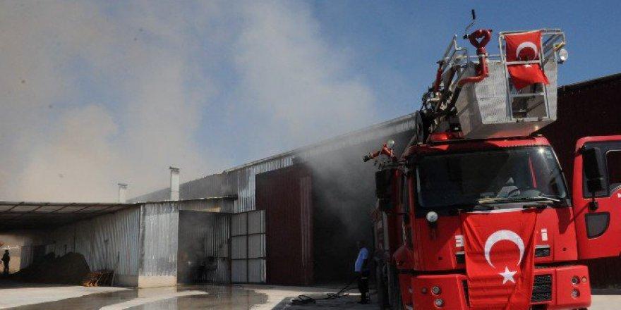 Osmaniye, Kadirli'de Fabrika Yangını