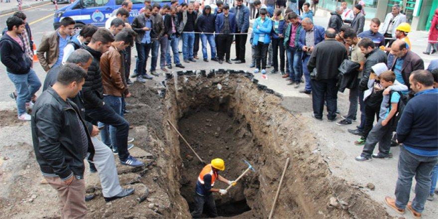 Erzurum, Cumhuriyet Caddesi'nde Osmanlı döneminden kalma su kanalları ortaya çıktı