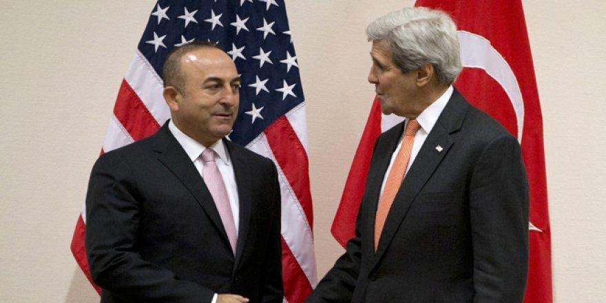Bakan Mevlüt Çavuşoğlu, ABD'li mevkidaşı John Kerry ile görüştü
