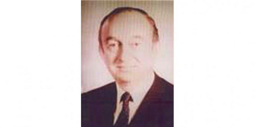Eski İçişleri Bakanı Ahmet Selçuk vefat etti!