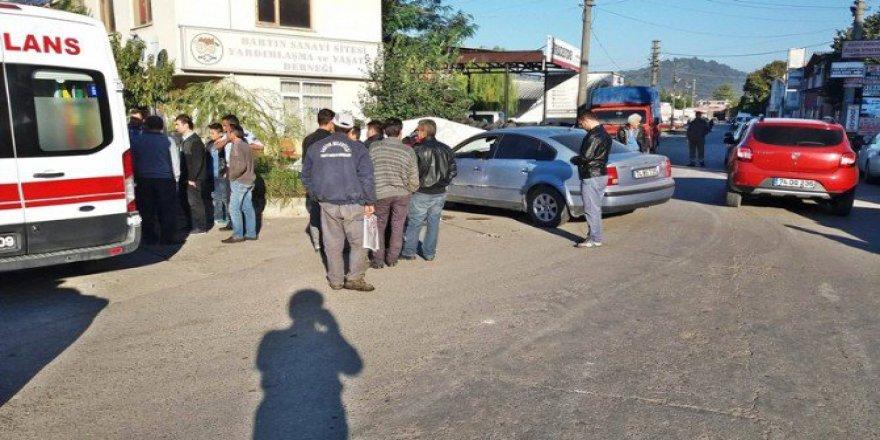 Bartın'da Kaza Yapan 15 Yaşındaki Ehliyetsiz Sürücü Yaralandı