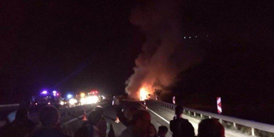 Başkent'te Seyir Halindeki Yolcu Otobüsü Alev Alev Yandı