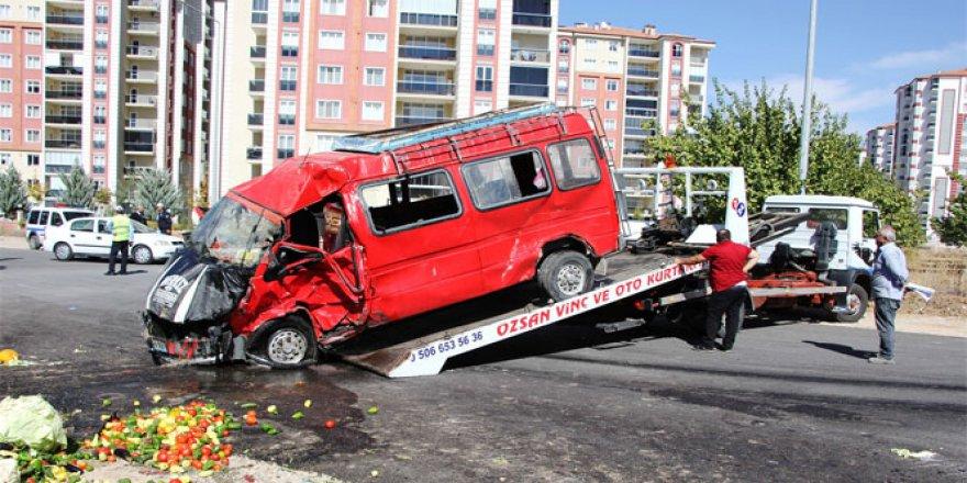 Malatya, Yeşilyurt'ta trafik kazası: 1 ölü, 1 yaralı