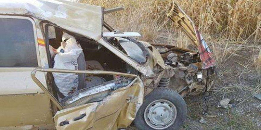Denizli'de iki otomobil çarpıştı: 4'ü çocuk 8 yaralı