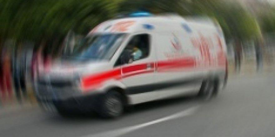 Erzurum'da Ticari Taksi İle Kamyonet Çarpıştı: 1 Yaralı