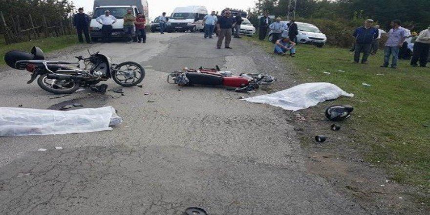 Samsun'da Karşılıklı Çarpışan Motosikletlerin Sürücüleri Öldü