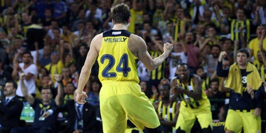 Fenerbahçe 77-69 Anadolu Efes