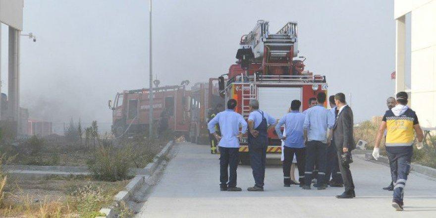 Manisa, Turgutlu OSB'de Korkutan Yangın