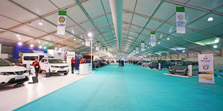 Otomobil Severlerin Gözü ''Auto Show Fuarı 2016''da