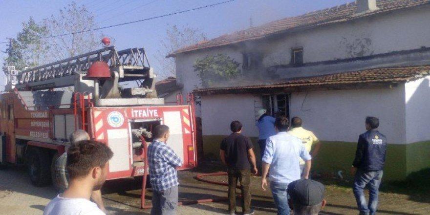 Tekirdağ'da Ateşte Unutulan Yemek Yangın Çıkardı