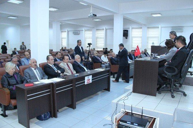 Ereğli'de Chp'li Meclis Üyeleri, Kent Meydanına Cami Yapılması Kararını Protesto Etti
