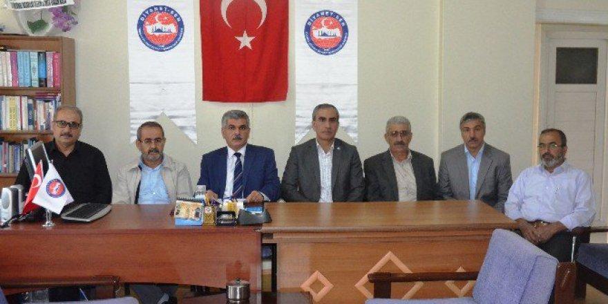Diyanet-Sen'den CHP'ye 'Müezzin'' Tepkisi
