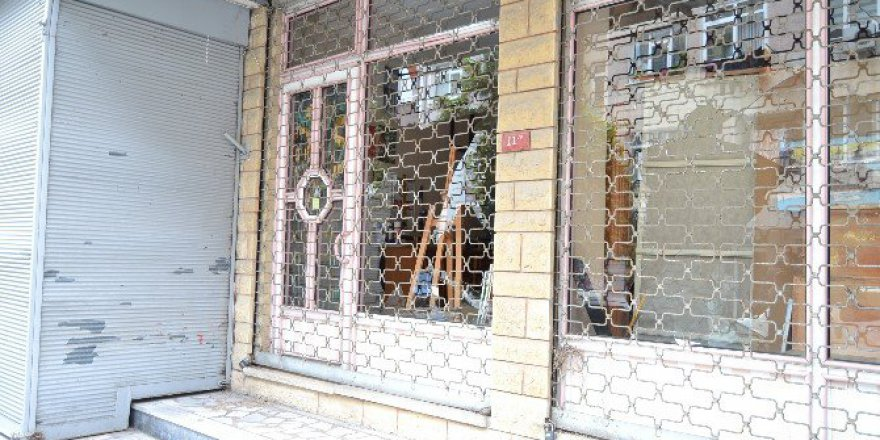 Resim Kursuna Gelen Öğrencilerini Taciz Ettiği İddia Edilen Öğretmen Tutuklandı