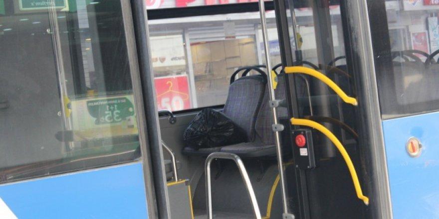 Belediye otobüsünde şüpheli paket!