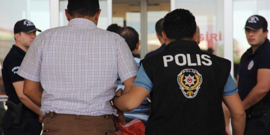 Antalya'da FETÖ/PDY'den 20 gözaltı