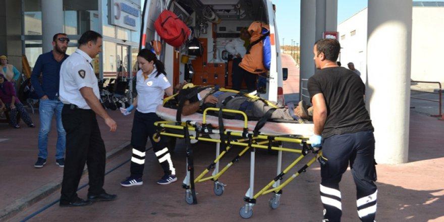 İşçilerini taşıyan minibüs ile kamyon çarpıştı: 18 yaralı
