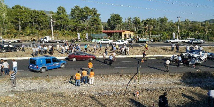 Muğla, Köyceğiz'de Trafik Kazası; 1 Ölü, 3 Yaralı
