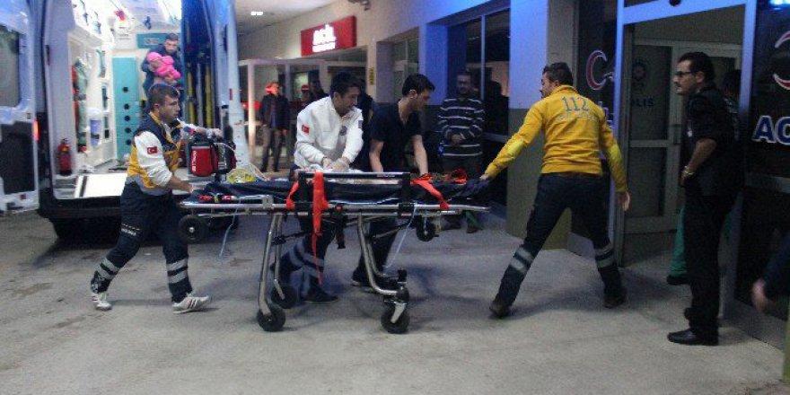 Kütahya, Domaniç'te Trafik Kazası: 1 Ölü, 3 Yaralı