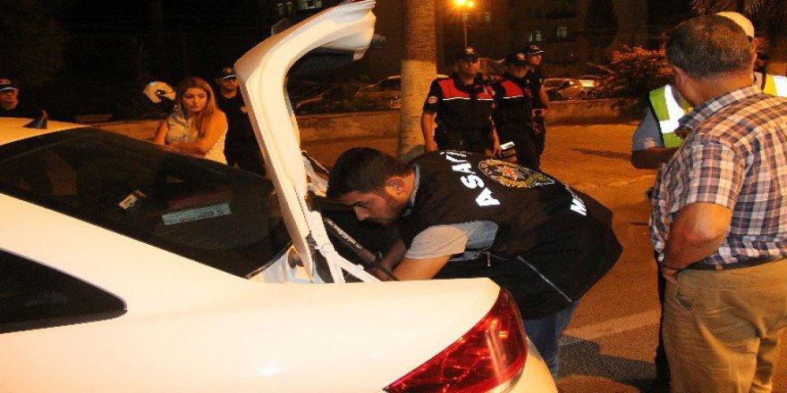 """Mersin'de Bin Polislik """"Huzur"""" Operasyonu"""