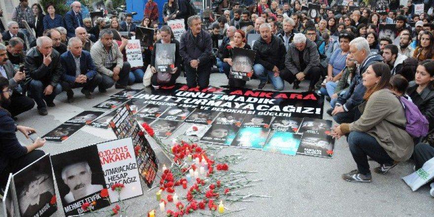 Ankara Garı'ndaki Saldırıda Ölenlere Eskişehir'de Anma Töreni