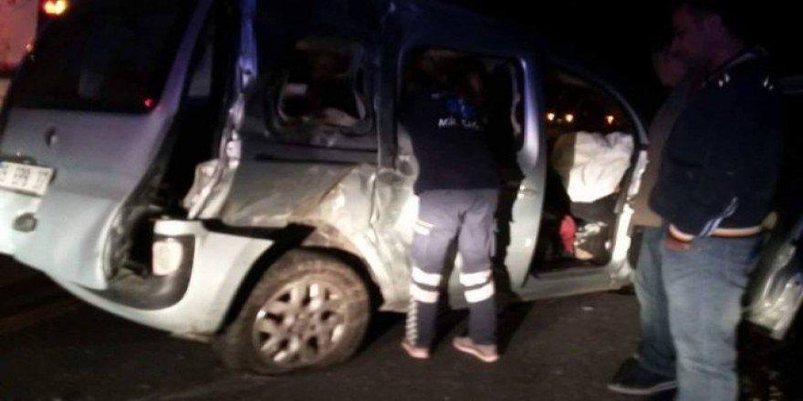 Denizli, Sarayköy'de Zincirleme Kazası: 2 Ölü, 3 Yaralı