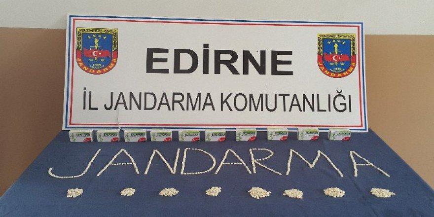 Edirne'de Jandarma Ekiplerince Uyuşturucu Operasyonu