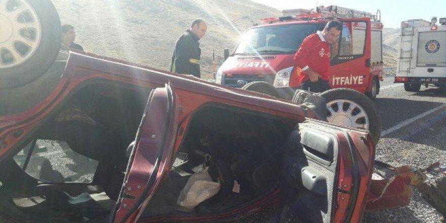 Malatya-Çelikhan Yolunda Korkunç Kaza: 2 Yaralı