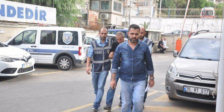 Bornova'daki O Soyguncu Polis Çıktı!