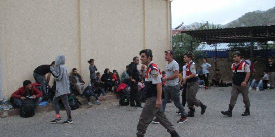 Muğla'da Yunanistan'a Kaçak Geçiş İçin 4 Bin Dolar Ödediler!