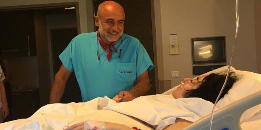 Demek Akalın, Nur Yerlitaş'ın ameliyat sonrası ilk fotoğraf