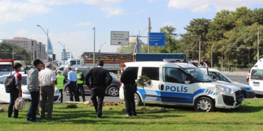 Bakan Tüfenkci'nin konvoyunda kaza!
