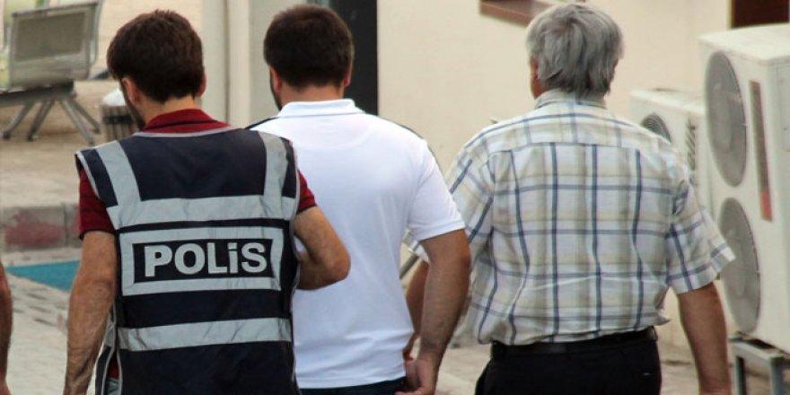 Gaziantep'te FETÖ/PDY'den 6 hakim ve savcı gözaltına alındı