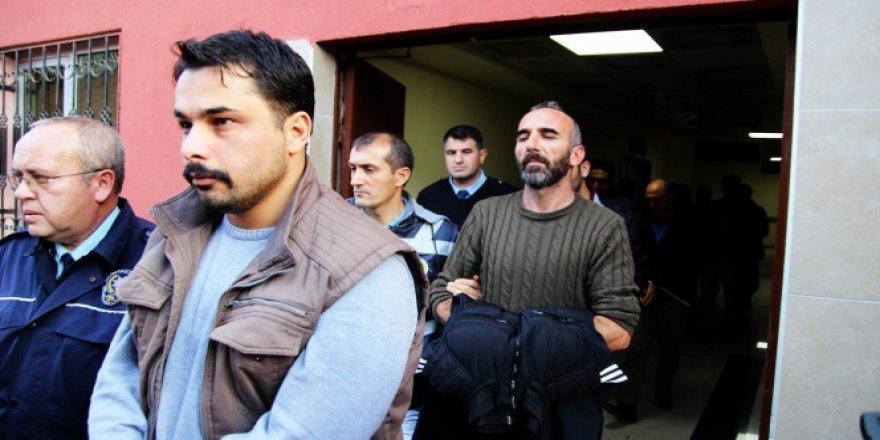 Kayseri'de FETÖ/PDY'den açığa alınan 14 polis adliyeye çıkarıldı