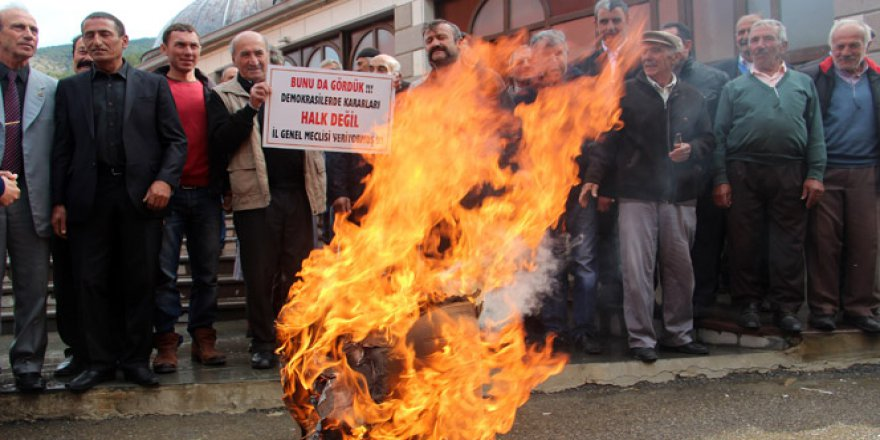 Gümüşhane, Torul'da köylünün referandum isyanı
