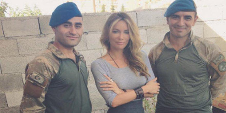 Ünlü oyuncu Gamze Özçelik'ten Karkamış sınırındaki askerlere ziyaret