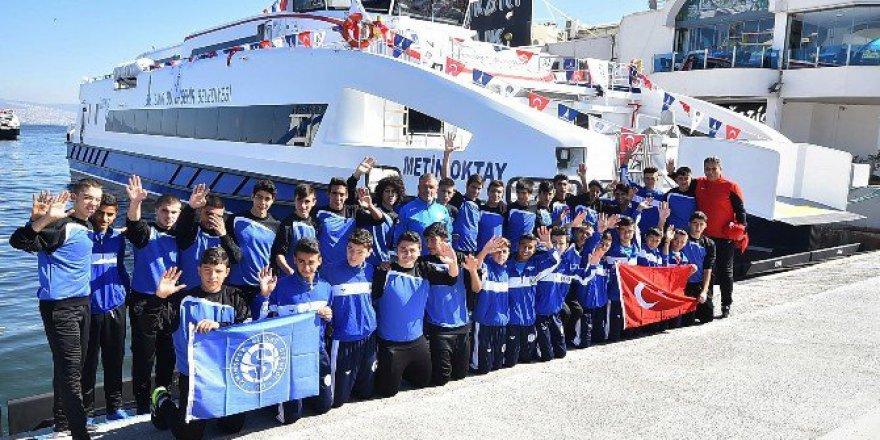 İzmir'in Yeni Yolcu Gemileri İlk Seferlerini Yaptı