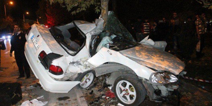 Konya'da Kaza! Hurdaya Dönen Otomobilden Sağ Çıktılar: 3 Yaralı