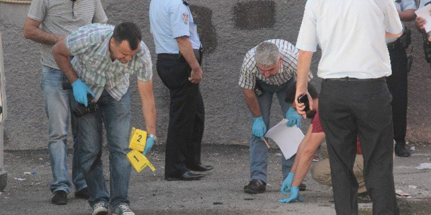 Adana'da Keşfe Giden Hakimin Aracına Bombalı Saldırı