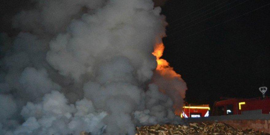 Konya, Kulu'da Odun Dükkanında Yangın