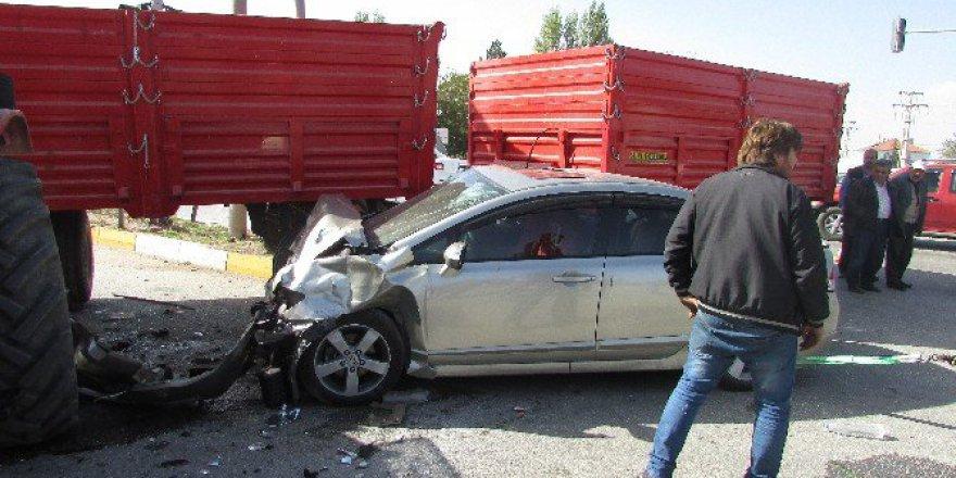 Afyonkarahisar, Sandıklı'da Trafik Kazası, 3 Yaralı