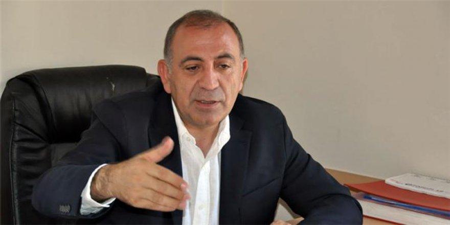 """CHP'li Tekin """"İki Cihan Bir Araya Gelse Bu Ülkede Başkanlık Sistemi Olamaz''"""