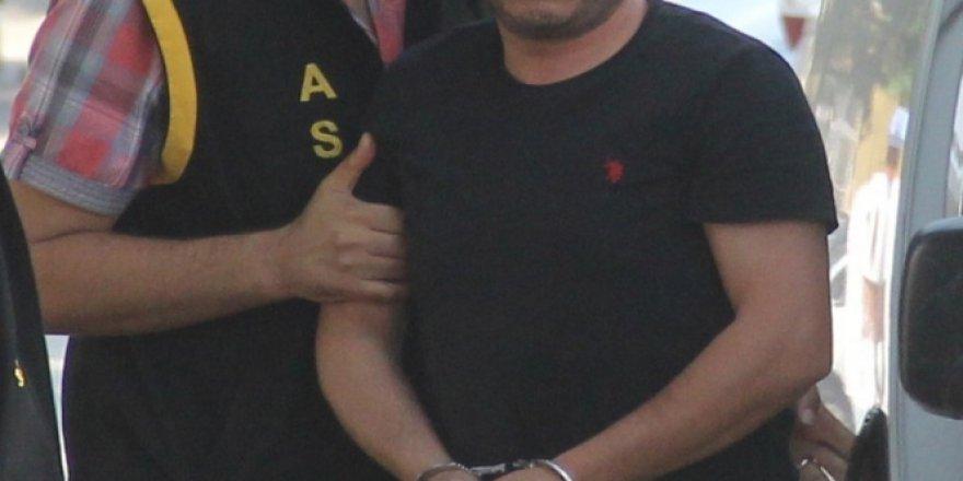 İzmir, Aliağa'da FETÖ'den 2 Kişiye Gözaltı