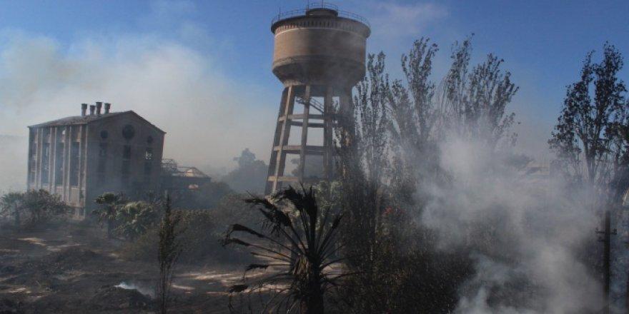 İzmir, Konak'ta korkutan yangın