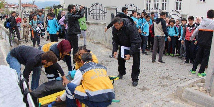 Bolu'da Minibüsün Çarptığı Öğrenci Yaralandı