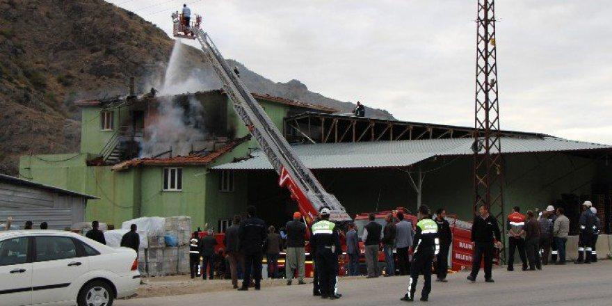 Amasya, Beşgöz Mevkiinde Soğuk Hava Deposunda Yangın
