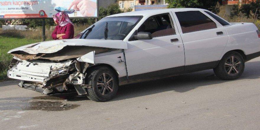 Samsun, Bafra'Da İki Otomobil Çarpıştı: 1 Yaralı