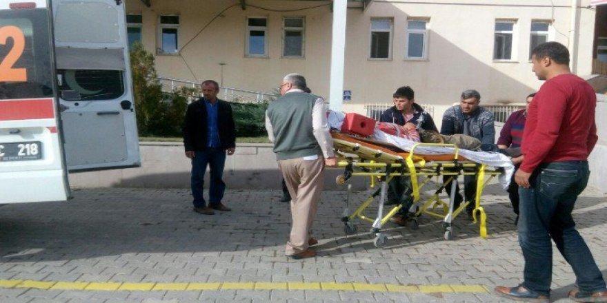Kastamonu, Daday'da Traktörün Altında Kalan Genç Yaralandı