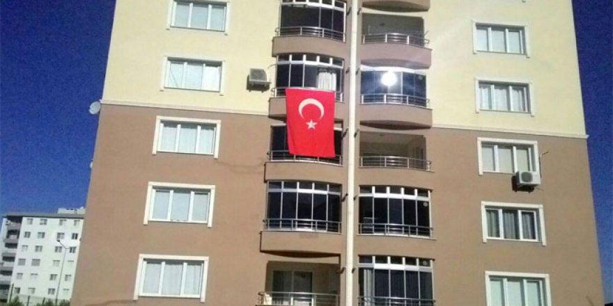 Hakkari'deki şehit ateşi İzmir'i yaktı
