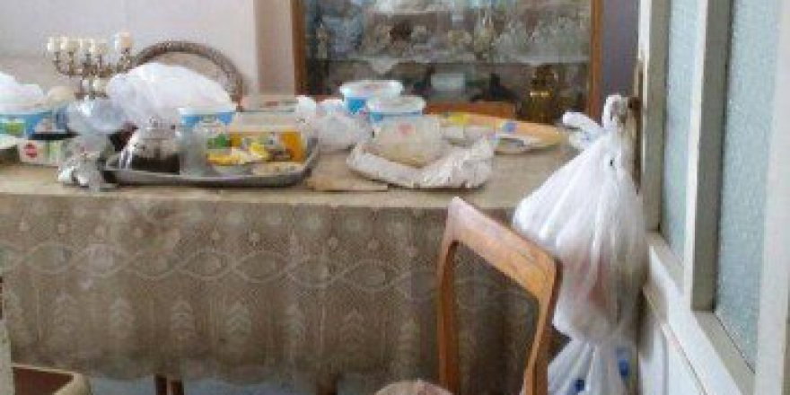 Kocaeli'de Alzaymır Hastası Yaşlı Kadının Cesedi Kahvaltı Sofrasında Bulundu